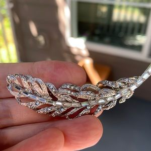 Stunning AAA quality brooch/pin/necklace